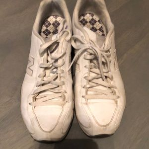 Women's New Balance tennis shoe